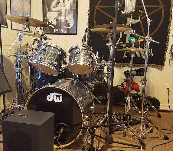 DW Performance Series 5-piece kit – Black Diamond finish – 5000 Series hardware
