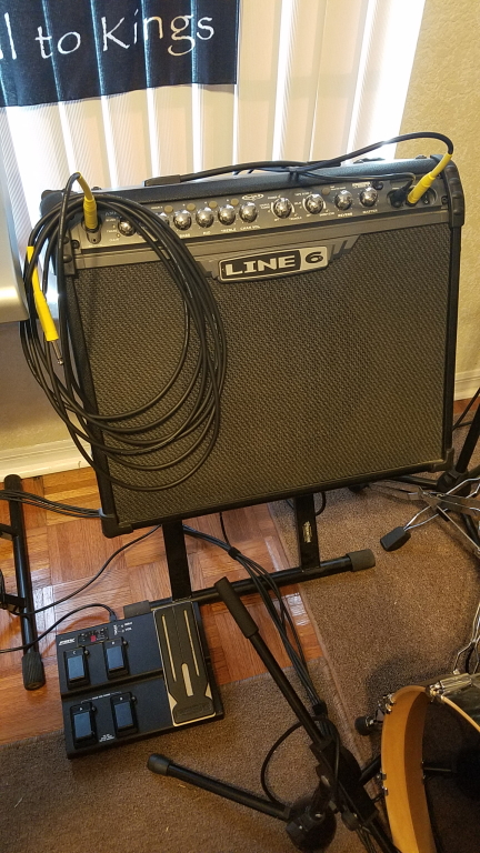 Pedalboard Project - Line 6 Spider IIII modeling amp with FBV Express floor board